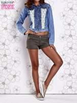 Niebieska jeansowa kurtka z koronkowymi wstawkami
