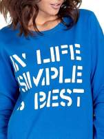 Niebieska klasyczna bluza damska z napisem IN LIFE SIMPLE IS BEST