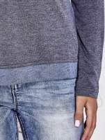Niebieska modułowa bluzka z długim rękawem