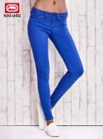 Niebieskie spodnie skinny jeans