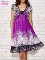 Purpurowa sukienka baby doll w ciapki
