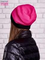 Różowa gładka czapka z czarnym mankietem