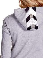 Szara gładka bluza z kapturem