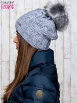 Szara wełniana czapka z pomponem