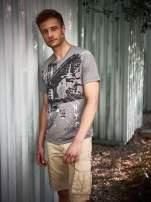 Szary t-shirt męski z miejskim nadrukiem