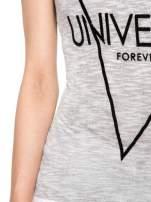 Szary t-shirt z nadrukiem UNIVERSITY FORVER