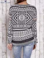 TOM TAILOR Biały sweter w etnicznym stylu z frędzlami