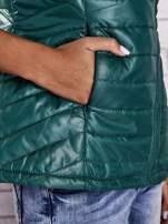 Zielona kamizelka puchowa zasuwana na skos