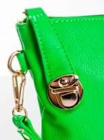 Zielona kopertówka z dżetami motyw ust