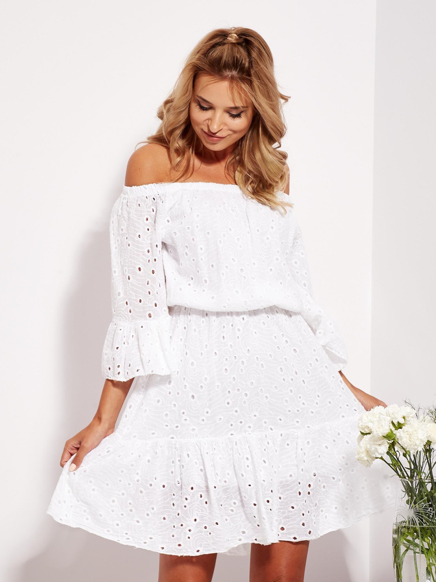 7845de097d Biała rozkloszowana sukienka hiszpanka z haftem - Sukienka hiszpanka ...