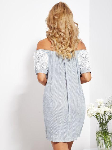 SCANDEZZA Biało-niebieska sukienka hiszpanka w cienkie paski                              zdj.                              6