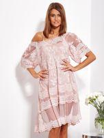 Pudroworóżowa luźna sukienka z oddzielną halką                                  zdj.                                  1