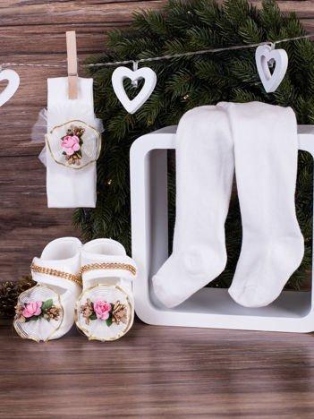 3-elementowy komplet wizytowy dla dziewczynki z różowym kwiatuszkiem biały