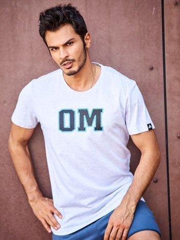 ADIDAS OM Jasnoszary t-shirt męski z aplikacją