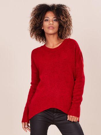 Asymetryczny czerwony sweter