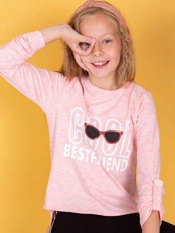 Bawełniana różowa bluzka dziewczęca z nadrukiem i dłuższym tyłem