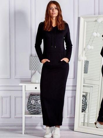 Bawełniana sukienka maxi z kapturem i kieszeniami czarna