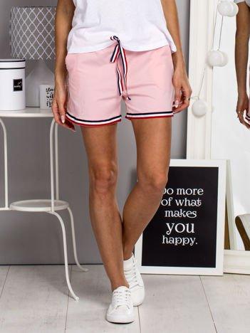 Bawełniane szorty w gumkę z kieszeniami różowe