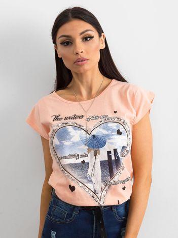 Bawełniany t-shirt damski z nadrukiem brzoskwiniowy