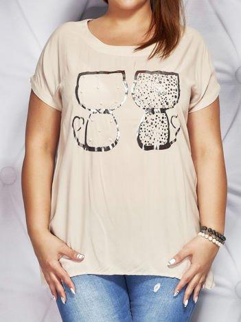 Beżowa bluzka z nadrukiem kotów i perełkami PLUS SIZE