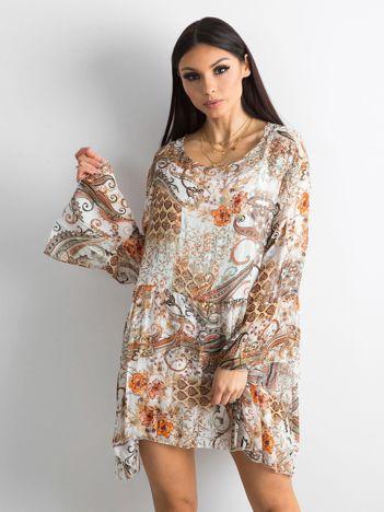Beżowa sukienka damska we wzory