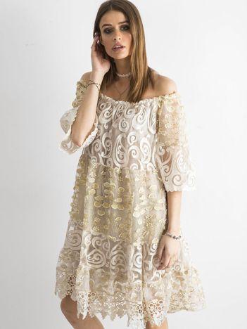 Beżowa sukienka hiszpanka z koronką