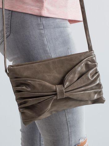 Beżowa torebka z kokardą