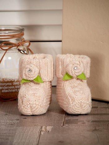 Beżowe buciki dziewczęce z kwiatuszkami