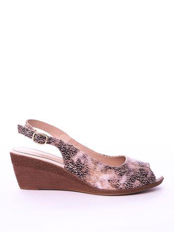 68a002b954a3 Beżowe sandały SERGIO LEONE w mieniący wzór na koturnach