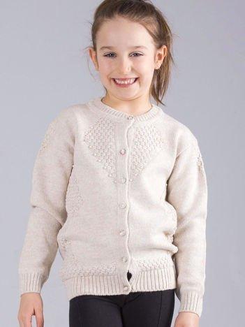 Beżowy rozpinany sweter dla dziewczynki z perełkami
