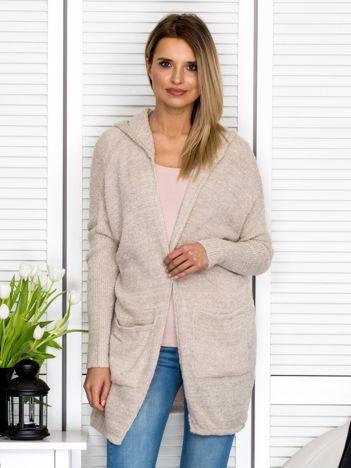 Beżowy sweter bez zapięcia