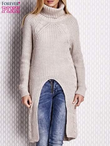 Beżowy sweter z wyszywanym napisem
