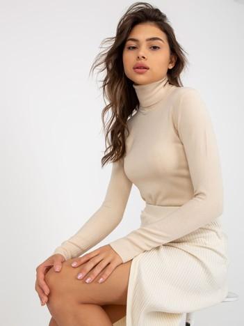 Beżowy sweter ze ściągaczami i golfem