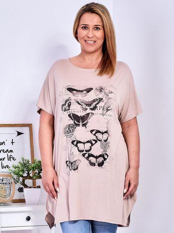 Beżowy t-shirt damski w motyle PLUS SIZE