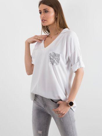 Biała bluzka damska z cekinową kieszenią