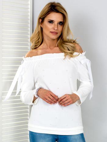 Biała bluzka hiszpanka z perełkami