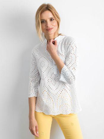 Biała bluzka z ażurowaniem z przodu