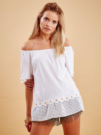 Biała bluzka z ażurowym dołem