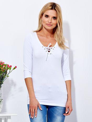 Biała bluzka z sznurowanym dekoltem