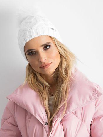 Biała czapka zimowa damska
