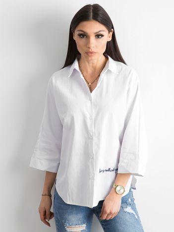 Biała damska koszula z haftem