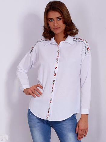 Biała koszula z haftowanymi wstawkami PLUS SIZE