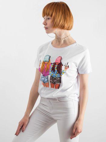 Biała koszulka z aplikacją 3D