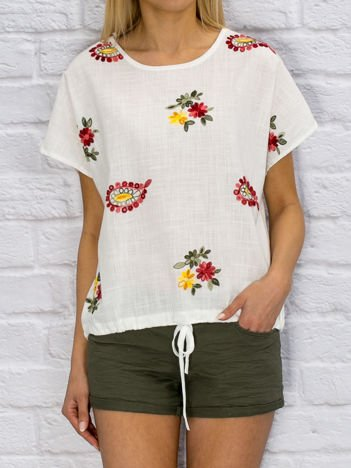 Biała płócienna haftowana bluzka
