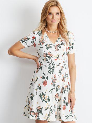 Biała sukienka Impressive