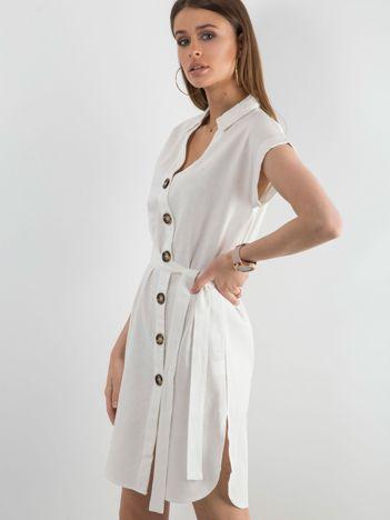 Biała sukienka z asymetrycznym zapięciem