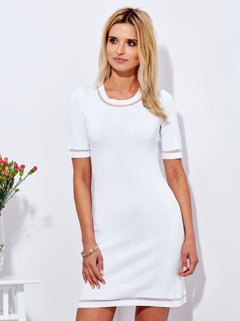 Biała sukienka z transparentnymi wstawkami