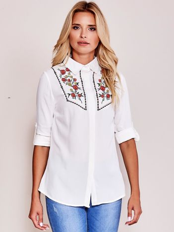 Biała wyszywana koszula