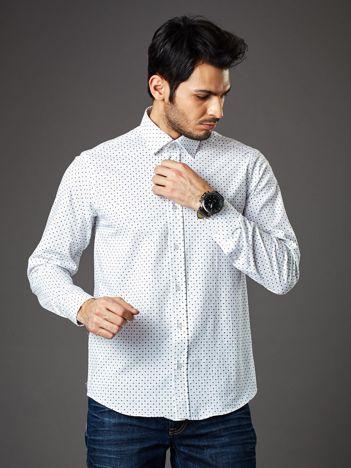 Biała wzorzysta koszula męska o prostym kroju