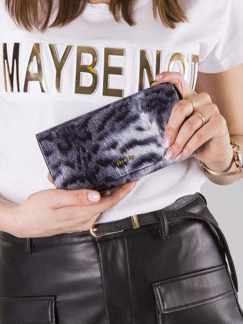 Biało-czarny skórzany portfel w tygrysi wzór
